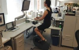 Ćwiczenia przy biurku - w pracy czy w domu